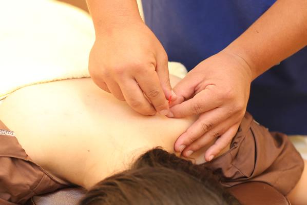 鍼が女性特有の悩みに効く理由。箕面・千里中央の鍼灸ブログ
